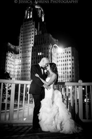 800x800 1506537909475 statler city wedding photos buffalo ny jessica ahr