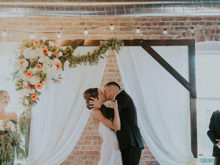 Tmx Bb First Kiss 51 1865235 160805209220754 Battle Creek, MI wedding venue