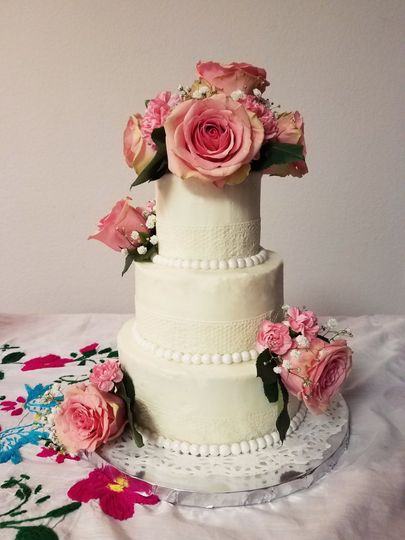 Golden Rose Cake Boutique Wedding Cake Irvine Ca Weddingwire