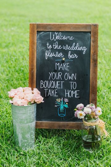 Have your guests make bouquets