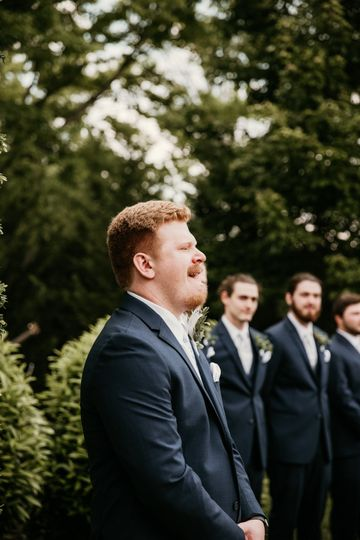 This groom's reaction is gold