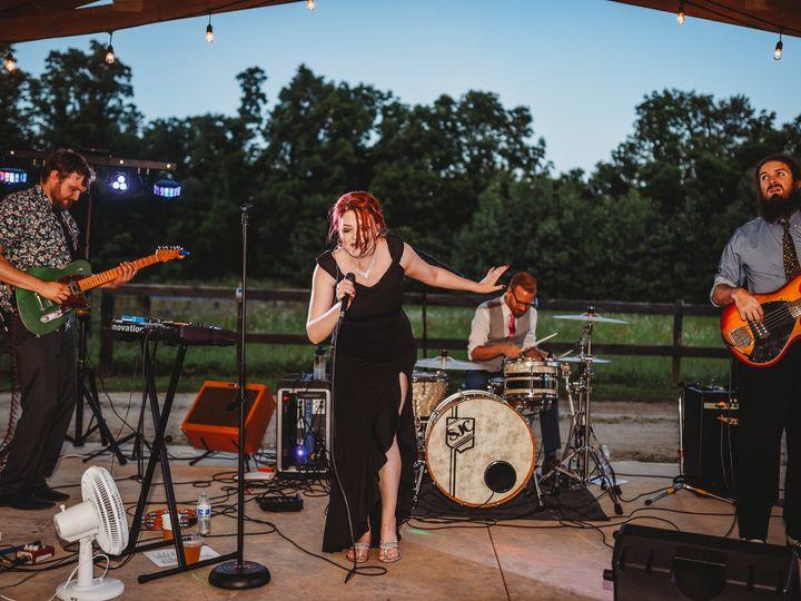 Tmx Dsc 8101 51 639235 158818124397191 Grand Rapids, Michigan wedding band