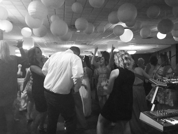 Tmx Img 7338 51 639235 Grand Rapids, Michigan wedding band