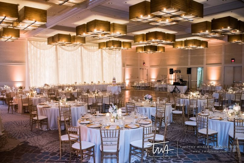 Grand ballroom lighting