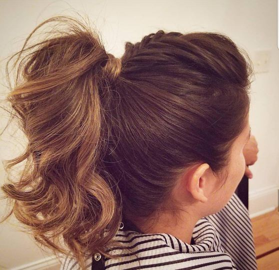 Fun ponytail - Top Knot Bridal
