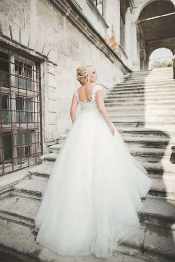 The bride descending the stairs