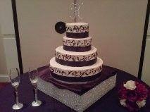 5b4edc5792eb05d3 1488993540335 wedding cake2