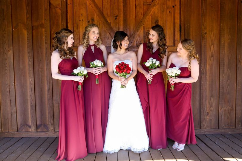 Bride and bridesmaids' rose bouquets