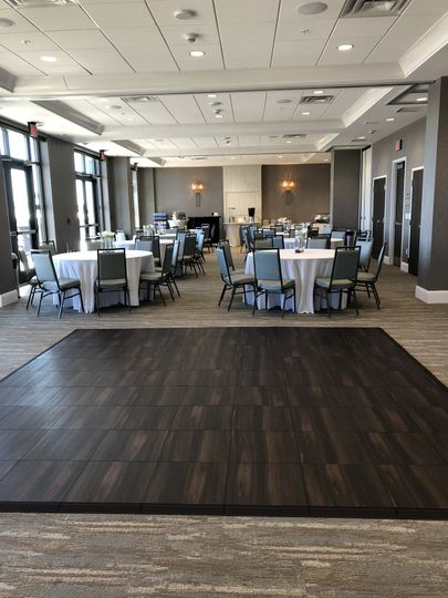 100-square-foot Dance Floor