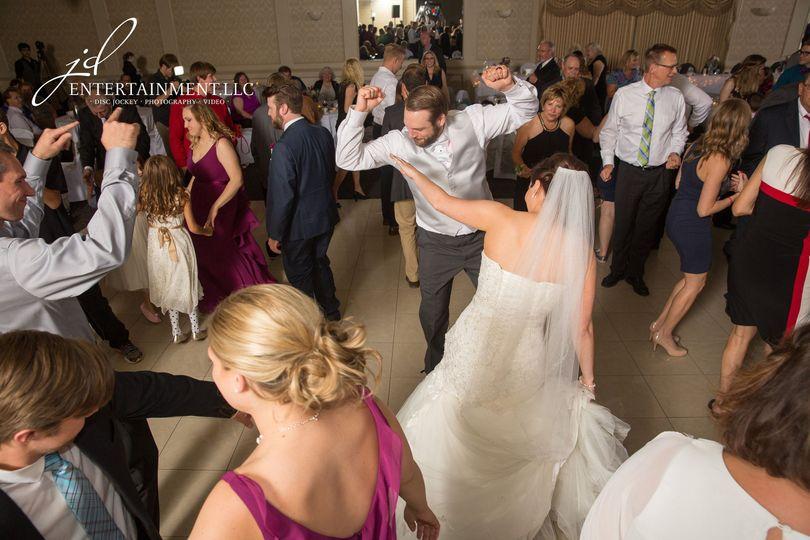 0820698c4d639559 1529597624 98da978e72ab82ff 1529597624704 9 Wedding DJ 9