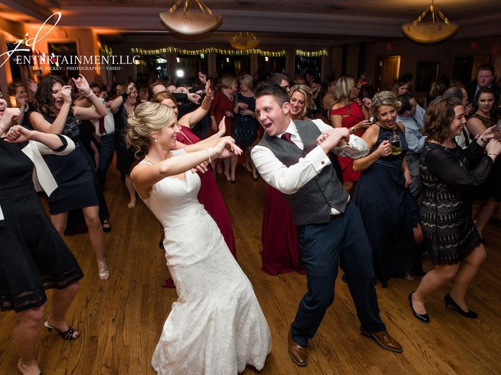 Tmx 1529597653 6e31e946a43e90e5 1529597650 F12daa7feae1ce3b 1529597634858 12 Wedding DJ 13 Clinton Township, MI wedding dj