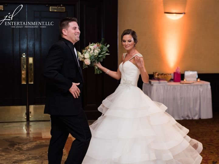 Tmx 1529597655 Fac461ee8017d46a 1529597650 5dfa1735de844d6d 1529597634864 13 Wedding DJ 14 Clinton Township, MI wedding dj