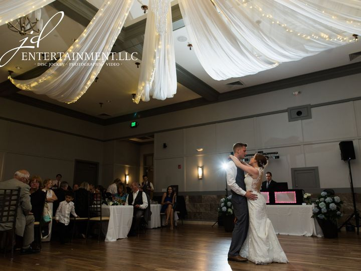 Tmx 1529597656 F7e3fc706724f736 1529597651 00deeffa5fbb361c 1529597634884 16 Wedding DJ 17 Clinton Township, MI wedding dj