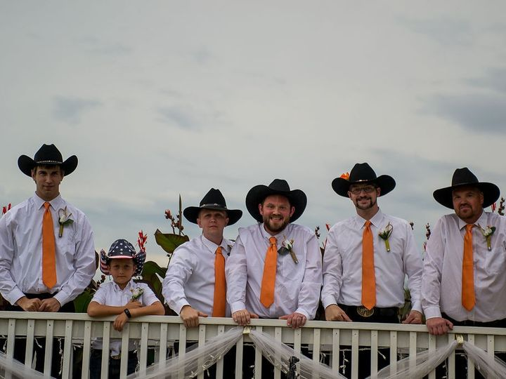 Tmx Group Solopictures 18 51 990435 158878133496300 Urbandale, IA wedding photography