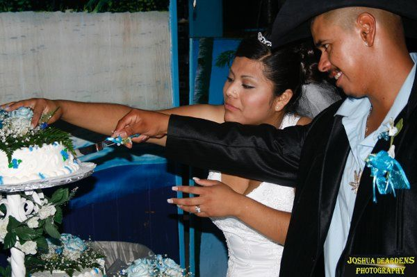 Cutting the Cake - Hernandez Wedding  Copyright © Joshua Deardens Photography - All Rights Reserved