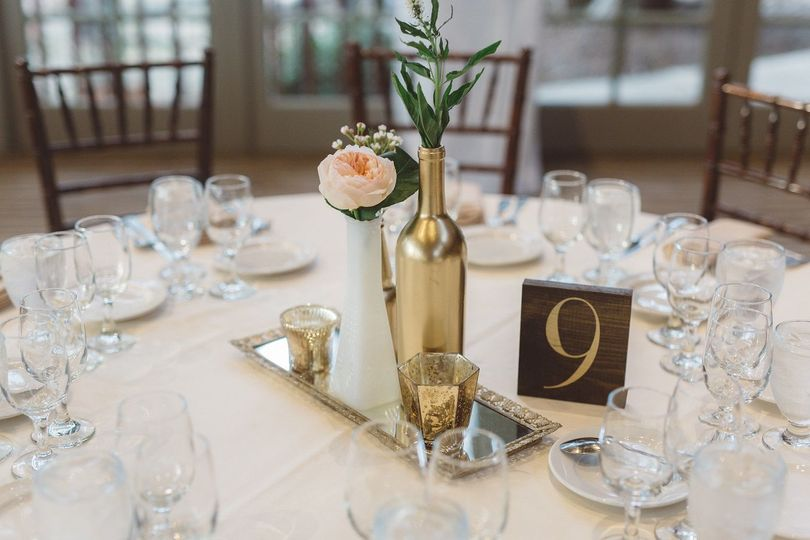 Blush and gold simple centerpiece