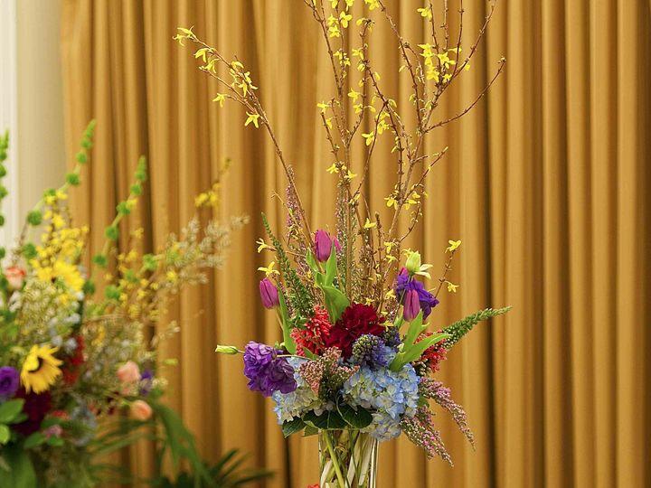 Tmx 1422573891792 Centerpiecethreetieredgardentrumpetvasesunflowers San Jose wedding florist