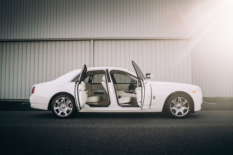 Rolls Royce Ghost side profile