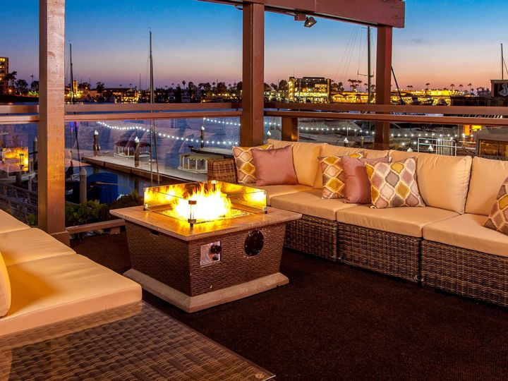 Tmx 1524596677 2ad3d6194db35676 1524596675 A148bfb326624ac9 1524596668726 1 WaterfrontLounge 0 Newport Beach, CA wedding venue