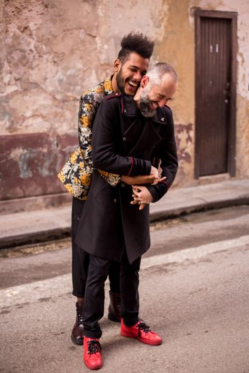 Engagement session in Havana, Cuba LGBTQ