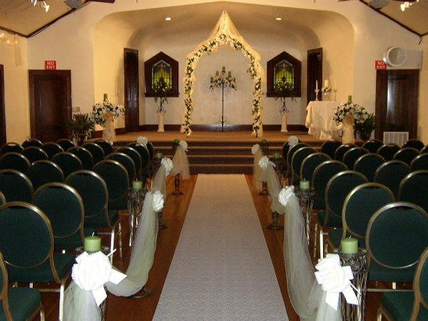 Royal View Hall - Wedding in Sage Green with Isle Runner