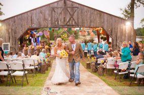 The Farmhouse Retreat Weddings