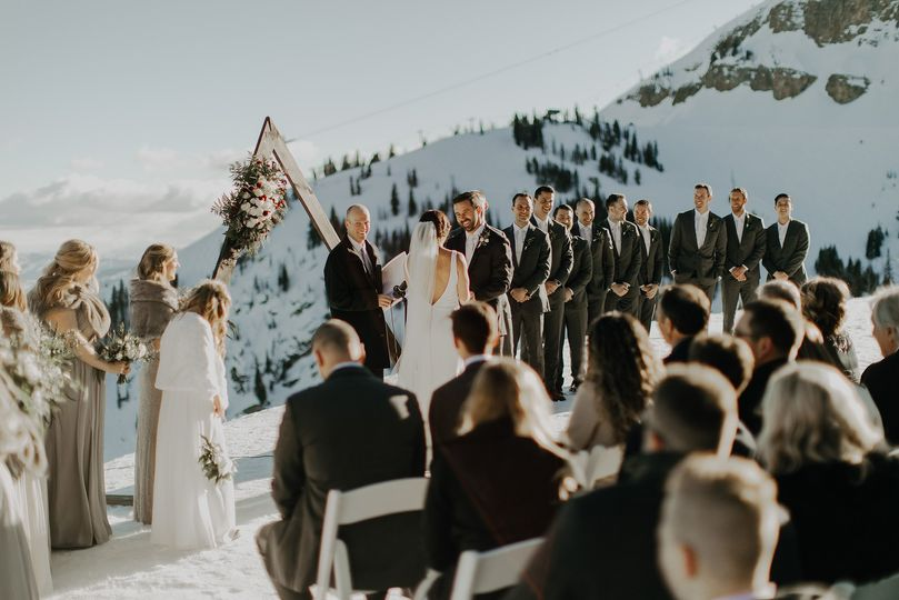 Saying their vows in the snow