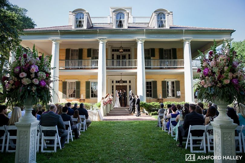 Wedding on front steps
