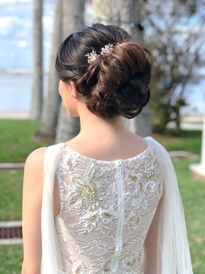 Hair and gown details