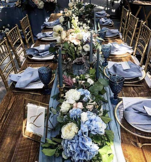 Long table arrangement