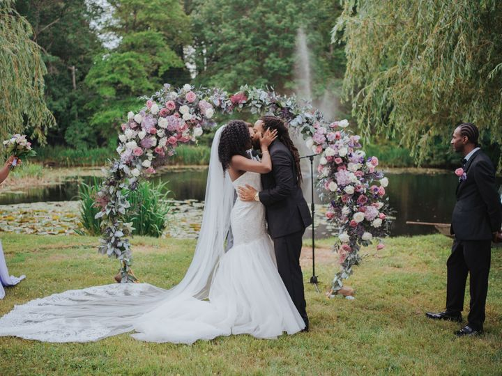 Tmx 0326 06 19 2021 Sny00787 51 996635 162611290386759 Brooklyn, NY wedding florist