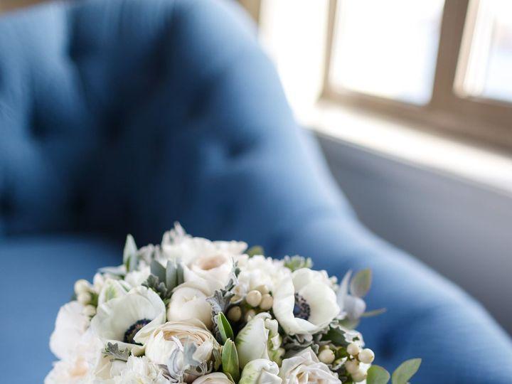 Tmx 1516302536 69fcf52701d58a36 1516302534 32d6064921ffaee8 1516302535174 1 FRQ 0867 Min Brooklyn, NY wedding florist