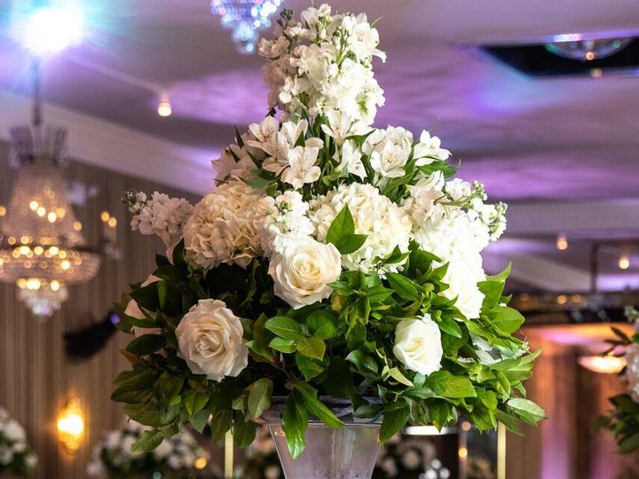 Tmx 1536686670 67946b8fc93a08b7 1536686668 D329873cd9c7d367 1536686672348 1 38 Brooklyn, New York wedding florist