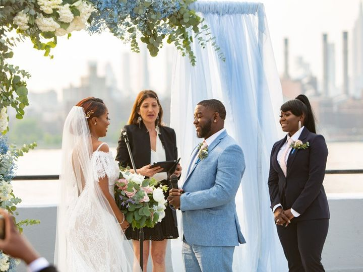Tmx Dellsheelyn 130 51 996635 157854522287156 Brooklyn, NY wedding florist