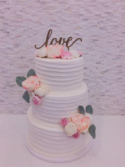 Textured Line Wedding Cake