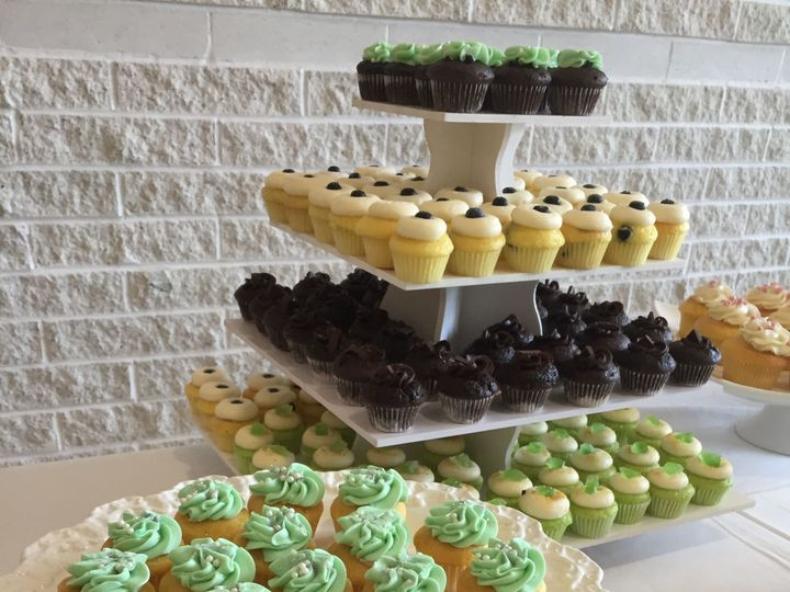 Tmx 1518201867 30340cd4f716ff61 1518201864 05a5f0094d5914a3 1518201863014 15 IMG 4504 Annapolis, Maryland wedding cake