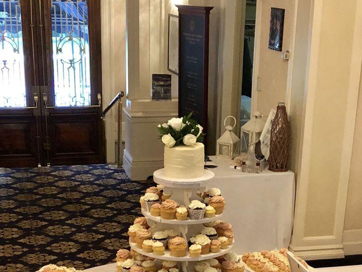 Tmx 1537756364 28480bc1943c8640 1537756360 8e5d351708789b3e 1537756352312 19 9FE9445F 63C1 44A Annapolis, Maryland wedding cake