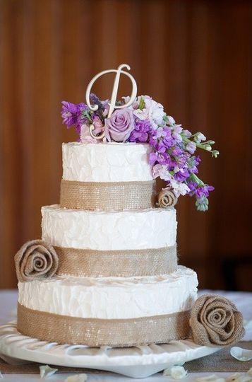 Burlap Roses Cake