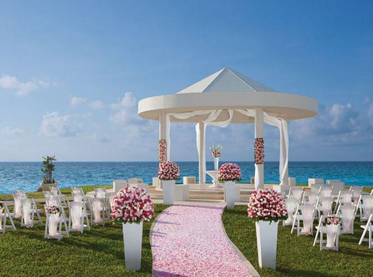Idyllic beach wedding