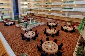 MCM Eleganté Hotel and Suites