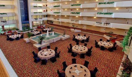MCM Eleganté Hotel and Suites 1