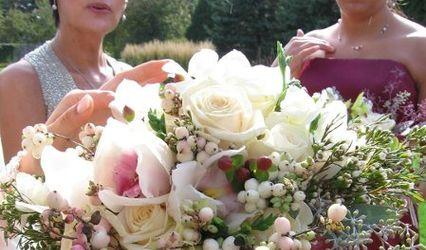 HollySwift Floral Design 1
