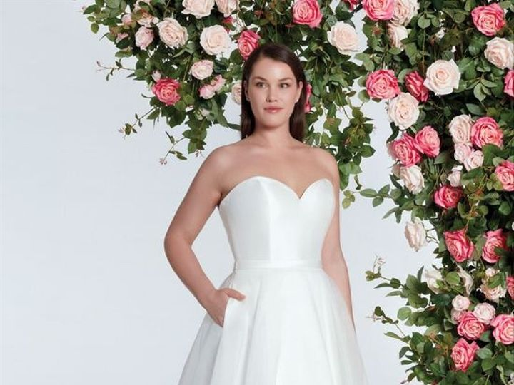Tmx 028a35c228756f2ed87a21cd769c69cd 51 121835 1564071220 Alexandria wedding dress