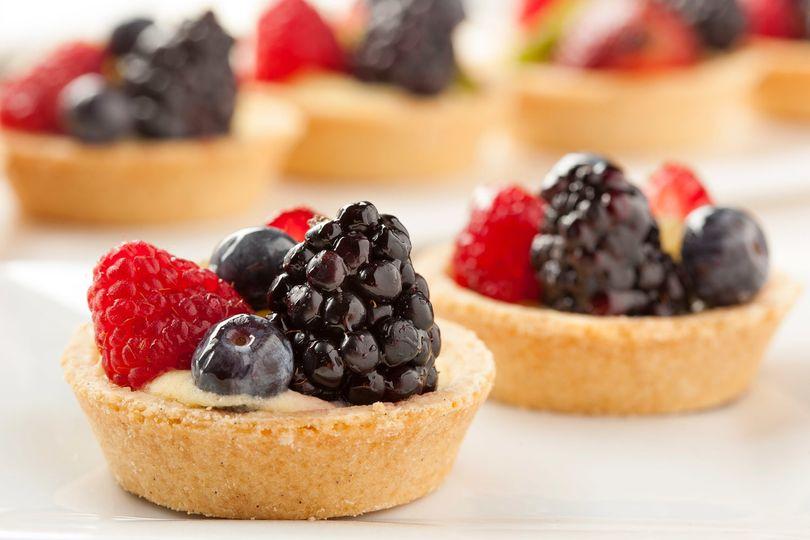 fresh homemade fruit tart pjnj3kn 51 1971835 159355108099538