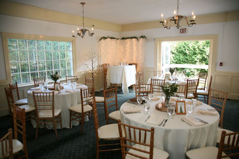 Dining room at Sugarbush Inn