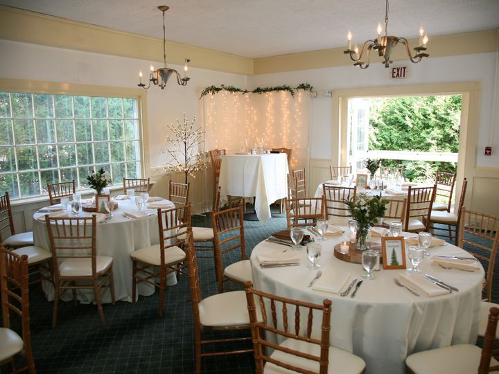 Tmx Dining Room 51 1052835 Warren, VT wedding venue