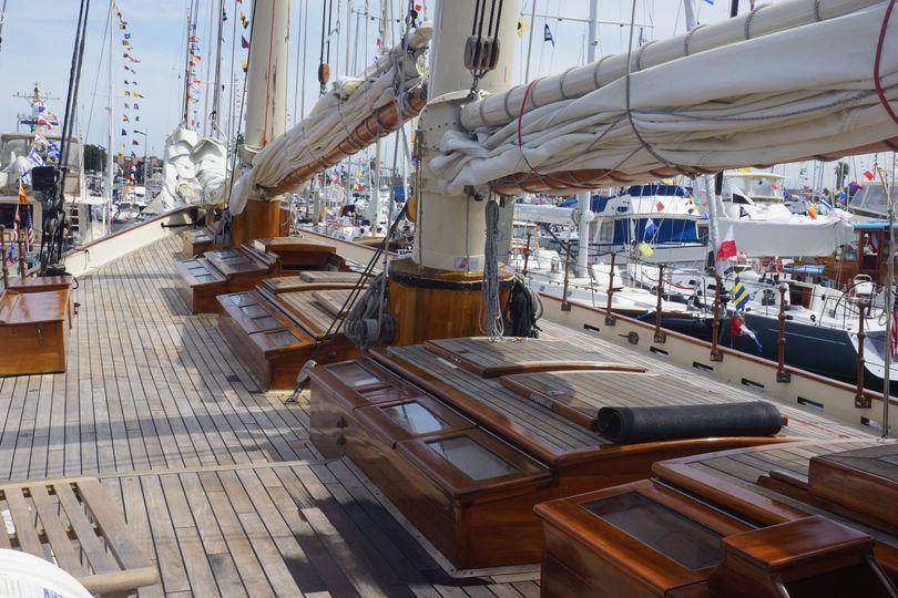 Yacht America's Deck
