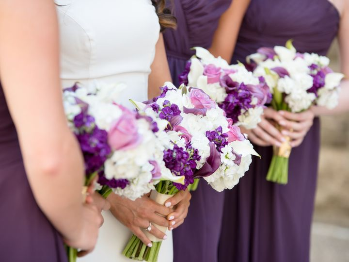 Tmx Canva Bride And Bridesmaids Holding Bouquets 51 1892835 1572270937 Centerville, TX wedding planner