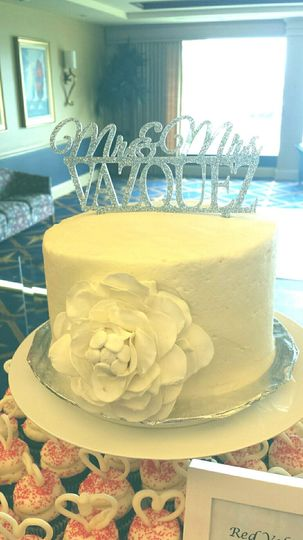 Gigi\'s Cupcakes of Sarasota Florida - Wedding Cake - Bradenton ...