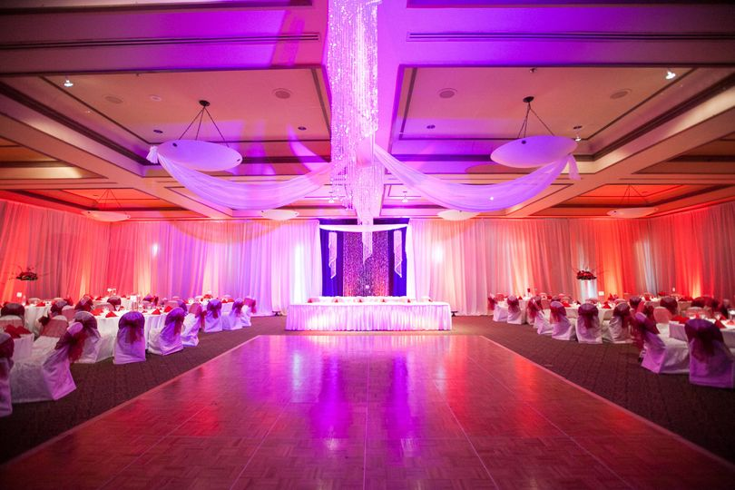 Magical lighting with head table and dance floor
